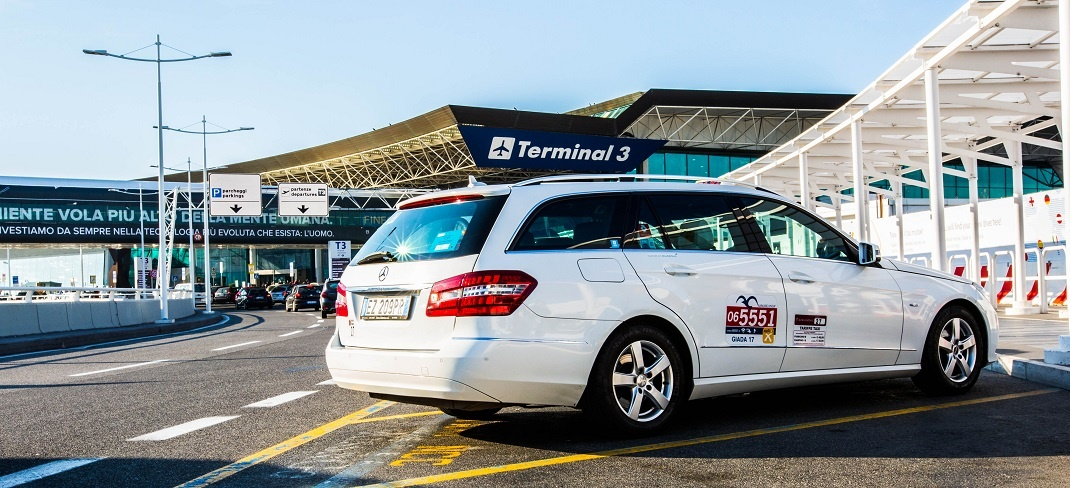 Taxi service in 5 minutes at the airport of Fiumicino